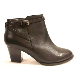 VIONIC Leather Heeled Boots Bootie Shoe Black